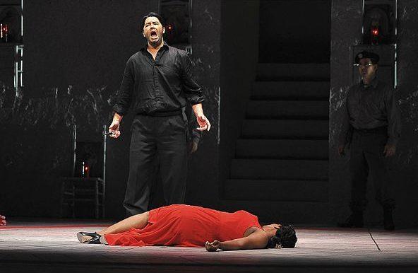 Mort de Carmen dans l'opéra de bizet
