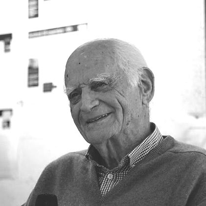 """Michel Serres par <a href=""""https://commons.wikimedia.org/wiki/File:16_Michel_Serres_librairie_Dialogues_30_octobre_2014.JPG"""">Briand</a>, <a href=""""https://creativecommons.org/licenses/by-sa/3.0"""">CC BY-SA 3.0</a>, via Wikimedia Commons"""